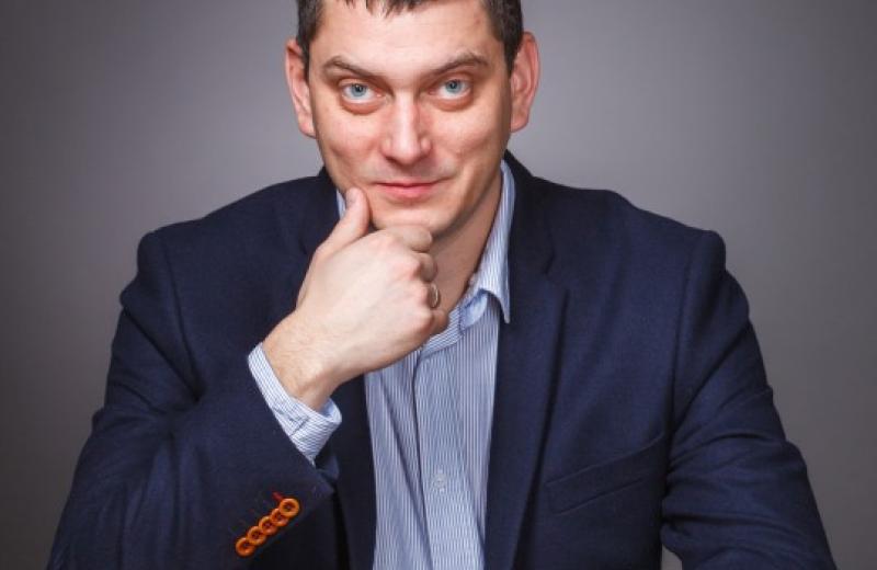 Максим Батырев Менеджер и его команда