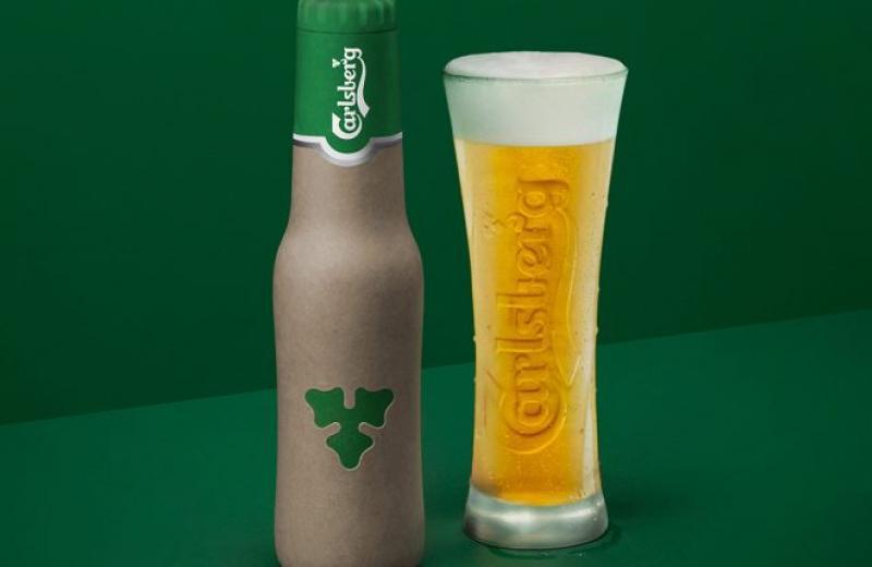 Carlsberg запроваджує нову тару – паперові пляшки для пива