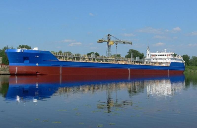 Білорусь планує возити нафтопродукти в Україну річковим транспортом
