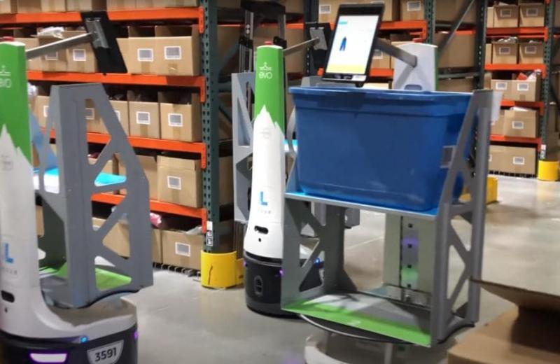 Компанія Evo використовує роботів у збиранні спортивного одягу