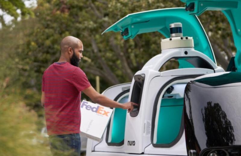 Компанія FedEx підписала багаторічну угоду про використання автономного транспорту
