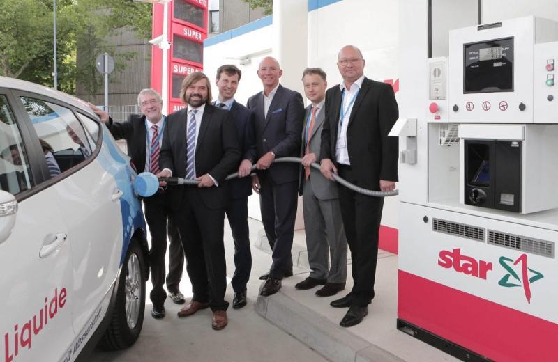 Німеччина інвестує мільярди євро у побудову водневих заправних станцій для вантажівок