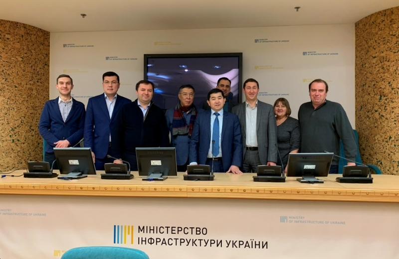 Казахстан запропонував Україні спільний розвиток цифрових транспортних коридорів