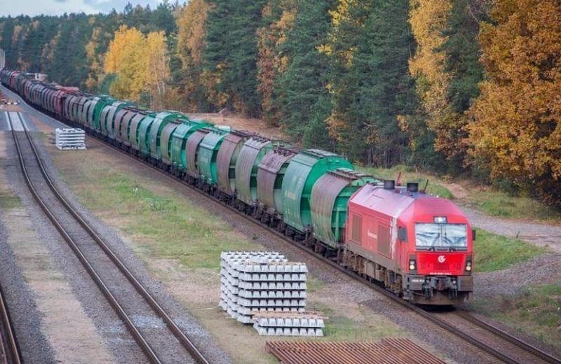 Білорусь блокує транзит на територію Литви. Виграють Україна та Польща