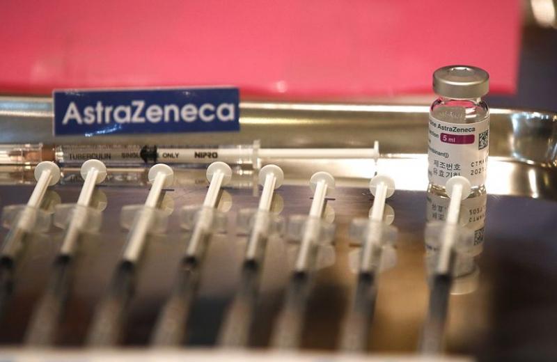 Відмова низки країн від вакцини AstraZeneca розриває щойно налагоджені ланцюги постачання