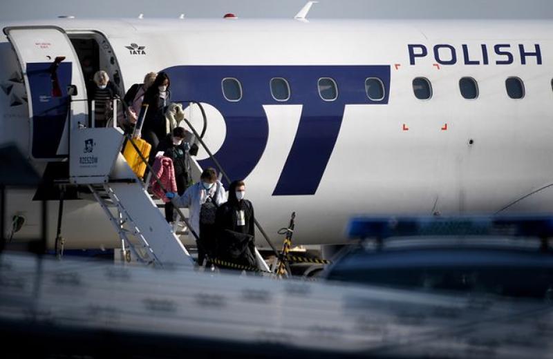Ryanair та LOT відновлюють рейси, але зменшують комфорт