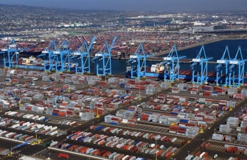 Порт Лос-Анджелеса заплатить 7,5 млн за звільнення контейнерних майданчиків
