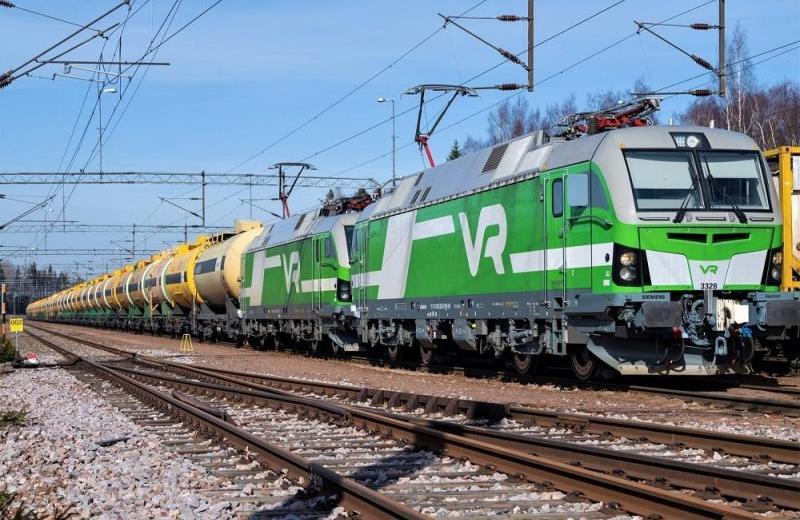 Фінська компанія запустила рекордний за вагою потяг