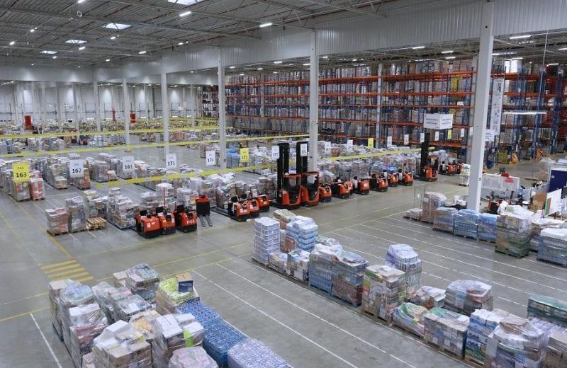 ID Logistics використовує пересувний пункт перепакування