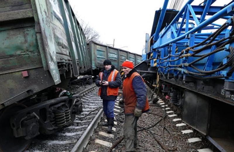Разоборудование грузовых вагонов почти в 70% случаев фиксируется на железнодорожных станциях, — опрос