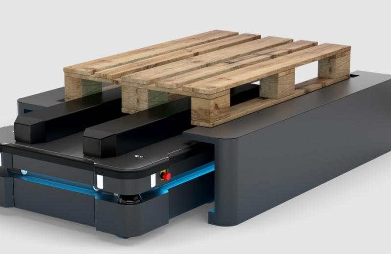 FM Logistic інвестує в автономних роботів на складах