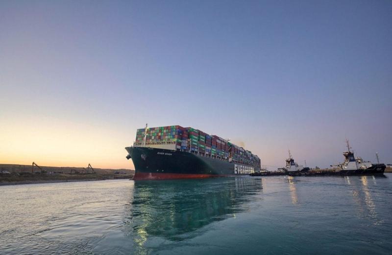 Вантажовідправники втрачають надію отримати свої контейнери зі злощасного Evergiven