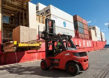 Навантажувачі Linde – надійне обладнання для морських портів і контейнерних терміналів