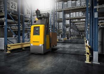 Автономний навантажувач EKS 215a працює зі стелажами висотою до 6 метрів