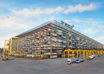У Дубаї випробували повністю автоматизовану систему зберігання та обробки сорокафутових контейнерів