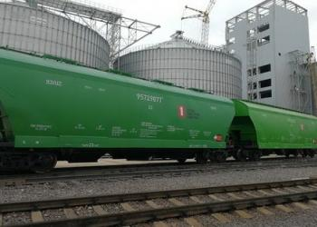 Частный парк вагонов-зерновозов превысил государственный