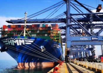 Азіатські вантажовідправники зазнали подвійного удару через відсутність контейнерів та брак суден