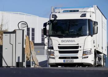 Дизельні вантажівки припинять випускати з 2040 року