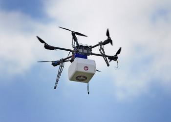 Мережа клінік у США розпочала доставку ліків дронами