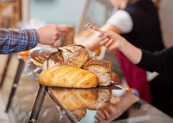 Свіжий, ще свіжіший хліб