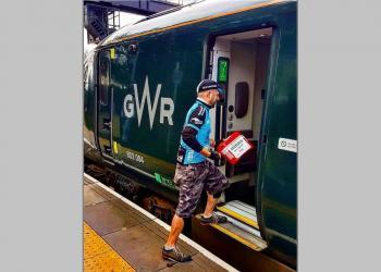 Британські потяги InterCity долучаються до надання послуг доставки за один день