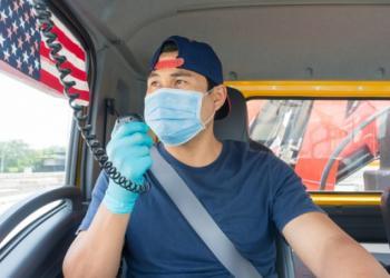 Американські АТП очікують колапсу через вимогу обов'язкової вакцинації водіїв