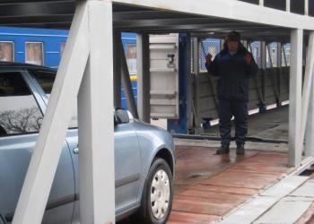 «Укрзалізниця» відновлює послугу перевезення легкових авто