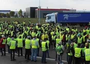 З першого лютого автоперевезення у Франції можуть зупинитися