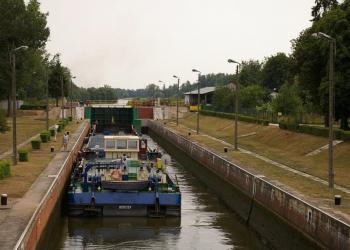 Залізниця чи річковий транспорт?