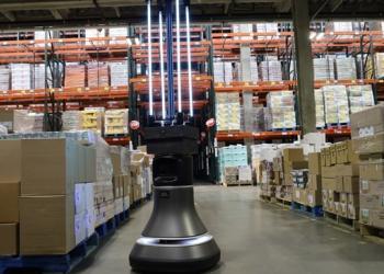 У Бостонському Банку харчових продуктів використовують робота для дезінфекції складських приміщень