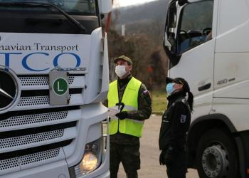 Словаччина заборонила в'їзд важких транспортних засобів