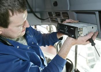 У Європі готуються до запровадження на вантажівках розумних тахографів Smart II