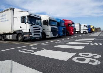 Європейські автоперевізники збираються збільшити тарифи через майбутні затримки на кордоні з Великою Британією