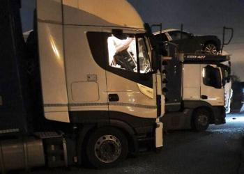 Перевізники вимагають захисту від нападів іммігрантів у Франції