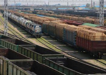 «Укрзалізниця» припинить вантажоперевезення маршрутними поїздами