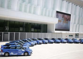 Париж закуповує 600 водневих таксі