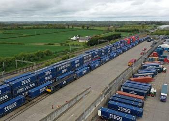 Tesco заявляє, що врятувалася від кризи за допомогою залізниці