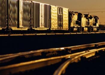 По железной дороге из Китая: быстрее, но вдвое дороже