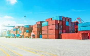 У морських портах ЄС та США гострий дефіцит контейнерів