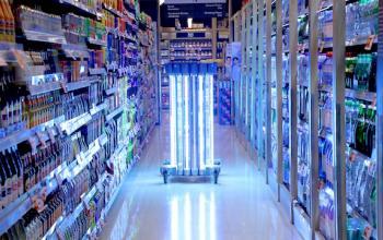 Тайський супермаркет використовує робота для боротьби з коронавірусом