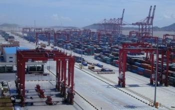 Після Янтаню – Шанхай. Один китайський порт відчиняється, другий - зачиняється