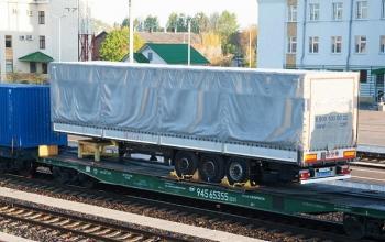 «Укрзалізниця» хоче перевозити напівпричепи від фур без тягачів
