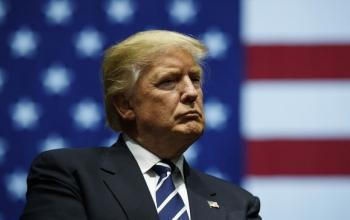 Трамп перериває ланцюги постачання медпрепаратів з-за корону до США