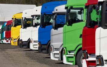Польща фіксує початок кризи на ринку комерційного автотранспорту