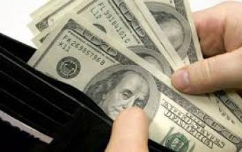 Верховный суд разрешил рассчитывать зарплаты в долларах